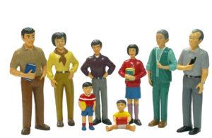 Life-like Asian Family (8pcs)-0