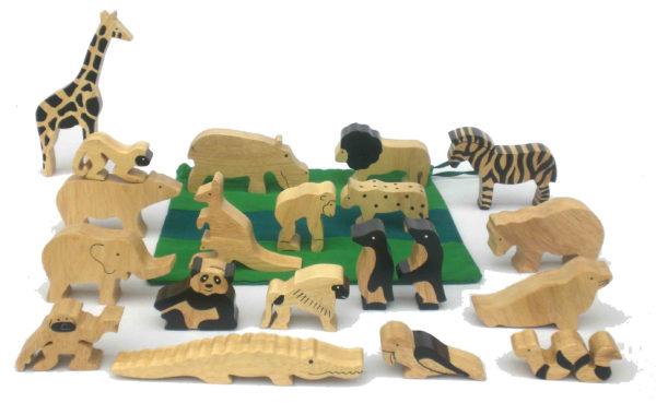 Natural Wood Wild Animals Set (20pcs)-0