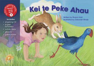 Kei te Peke Ahau Sing-along Book-0